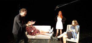 zajęcia na scenie teatralnej
