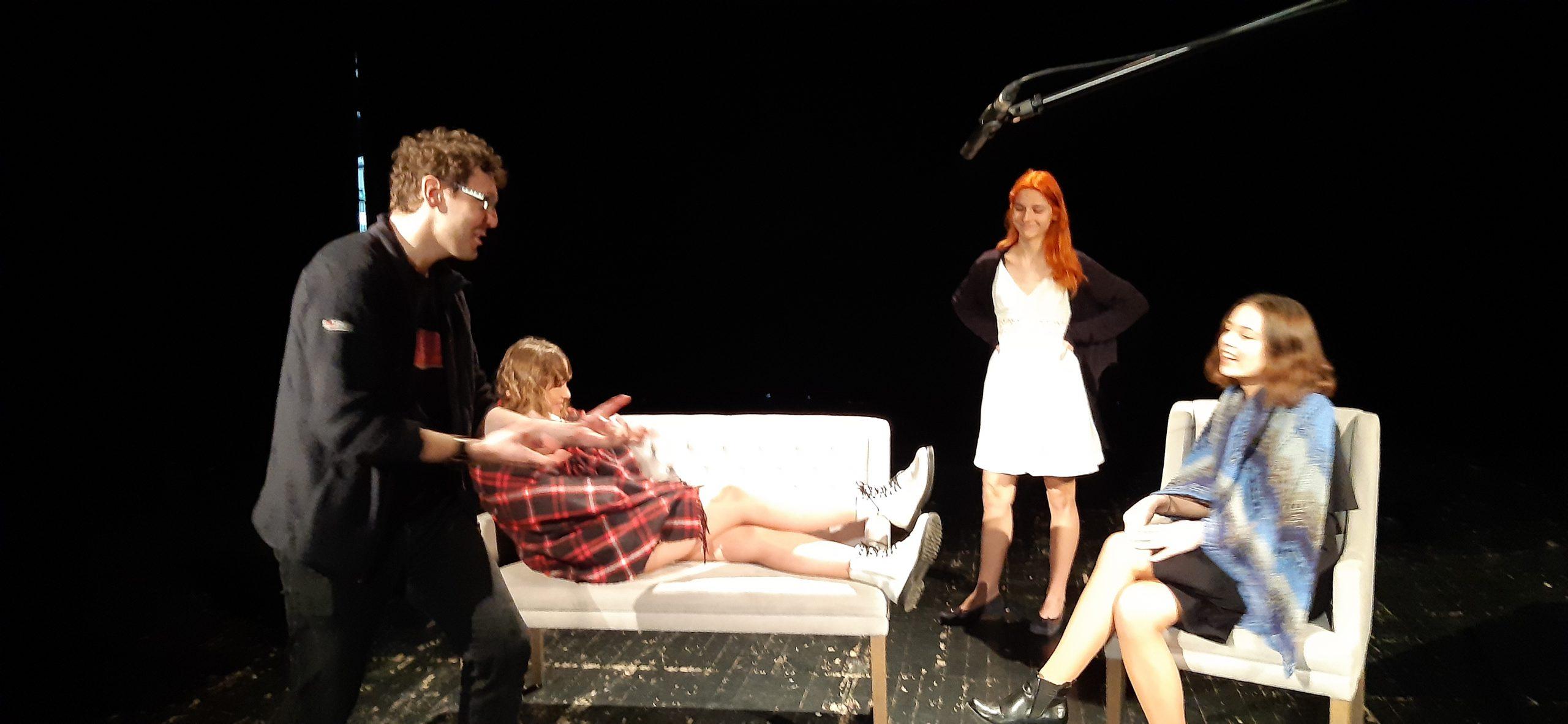 zajęcia teatralne na scenie